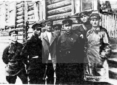 Frenkel è l'ultimo a sinistra.