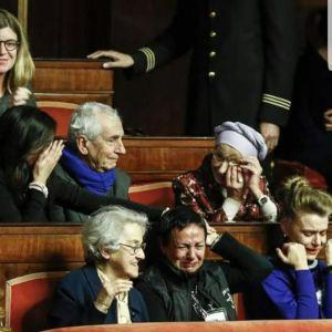 PIANGONO DI GIOIA  PERCHE' HANNO LEGALIZZATO LA MORTE