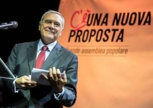 CON GRASSO PARTITANTE, SI CORONA LA STRANA DITTATURA ITALIOTA