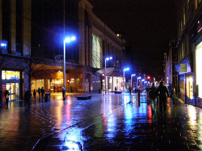 Glasgow a luce blu. Ha ridotto il crimine.