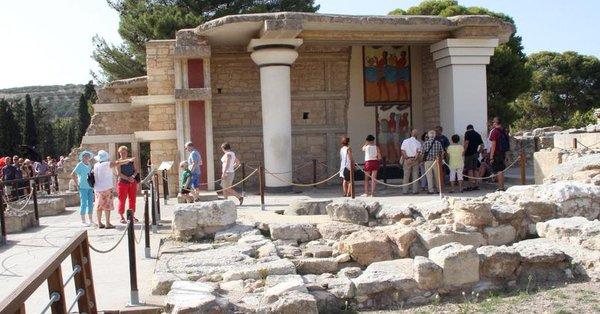 ATENE VENDERA' ANCHE CENTINAIA DI SITI ARCHEOLOGICI