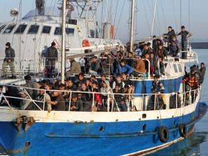 Immigrati, meno sbarchi, meno morti in mare