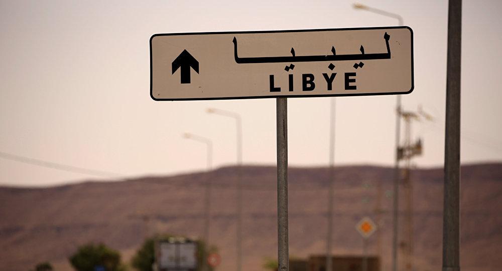 """13 """"DIPLOMATICI FRANCESI ARMATI"""" ARRESTATI fra Libia e Tunisia"""
