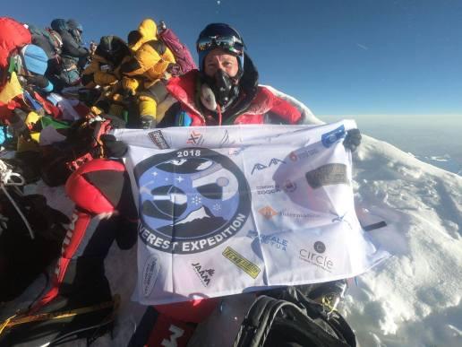 Maurizio Cheli sulla vetta del monte Everest