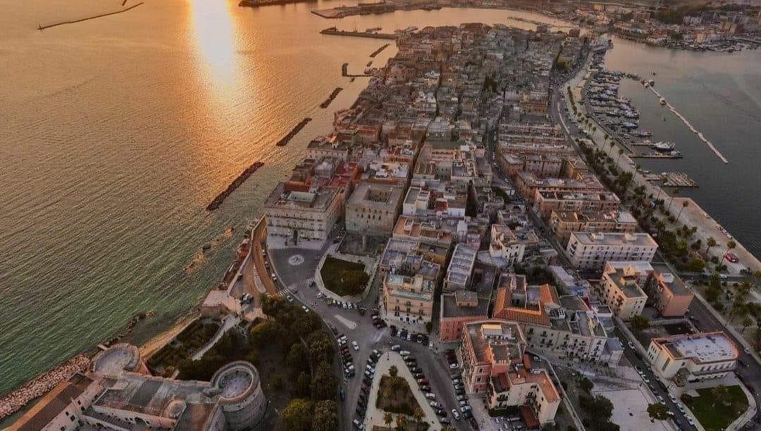 """Bando """"Taranto Crea"""" Invitalia, l'incentivo rivolto alle imprese che vogliono investire in città vecchia"""