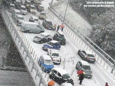 E fuori nevica. L'Italia va in tilt ogni volta