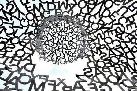 il linguaggio comune che ci accomuna e ci cambia la realtà, dall'hamburger al mondo della comunicazione