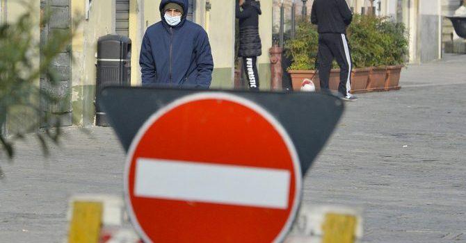 """Coronavirus, """"io resto a casa"""" e la furbizia degli italiani"""