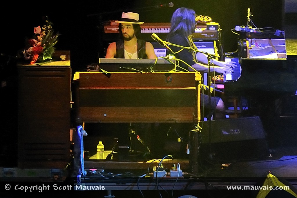 Jackie Green plays keyboards on Phil Lesh's 70th Birthday