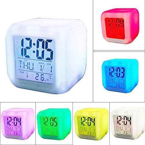 Risingmed Réveil Digital LED Horloge Numérique avec 7 Couleus Affichage l'Heure Date et Température(blanc)