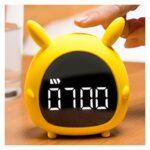 JSJJAYU Bande de Cheveux Cartoon Lapin Musique Réveil réveil Lumière Mini USB Charge Chambre Intelligente Veilleuse Réveil (Color : Yellow)