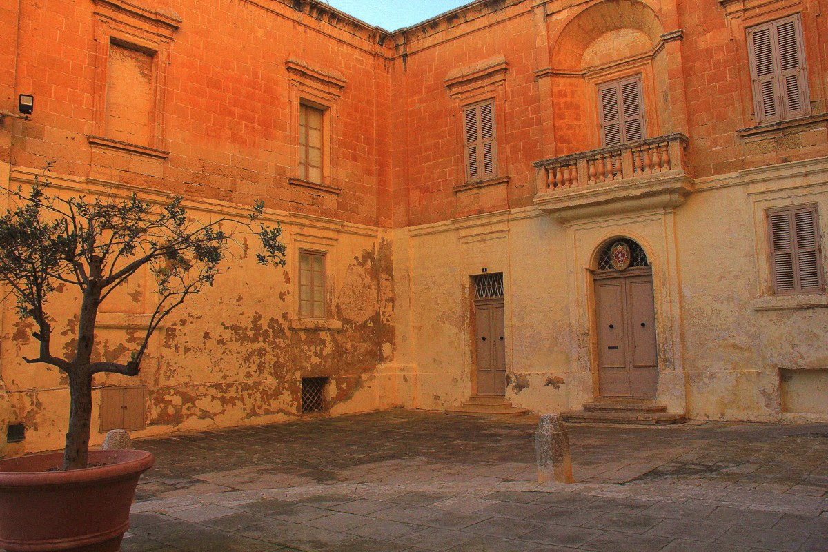 Mdina is gorgeous during sunset