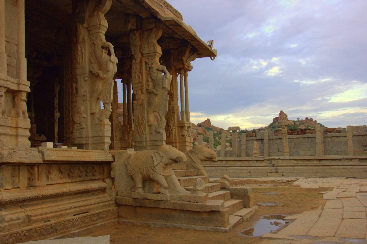 mahamandapa is in vittala temple complex