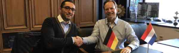 Max-Weber-Berufskolleg startet Kooperation mit OMEC Motors in Arnheim