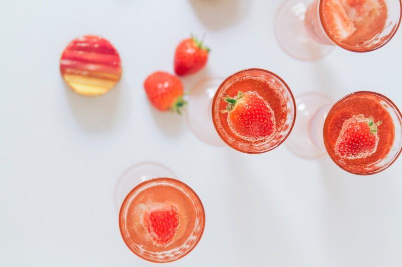 Maxeen Kim Photography, Rhubarb Lime Strawberry Fizz Cocktail, Cocktail Recipe, Tea America, Urban Flip Flops