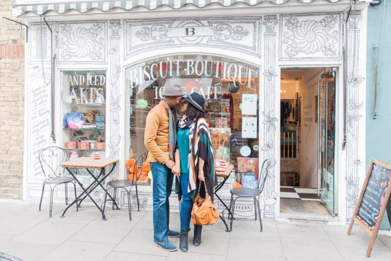 Biscuiteers couple shoot in Nottinghill