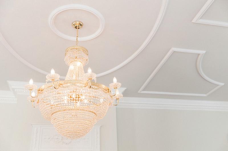 Elegant Chandelier In the Reception Room of Belair House