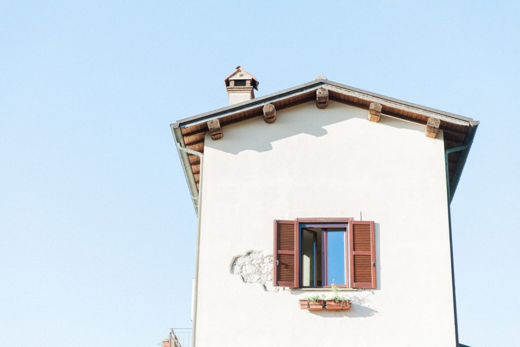 Refurbished railway house on the outskirts of Sermoneta in Italy