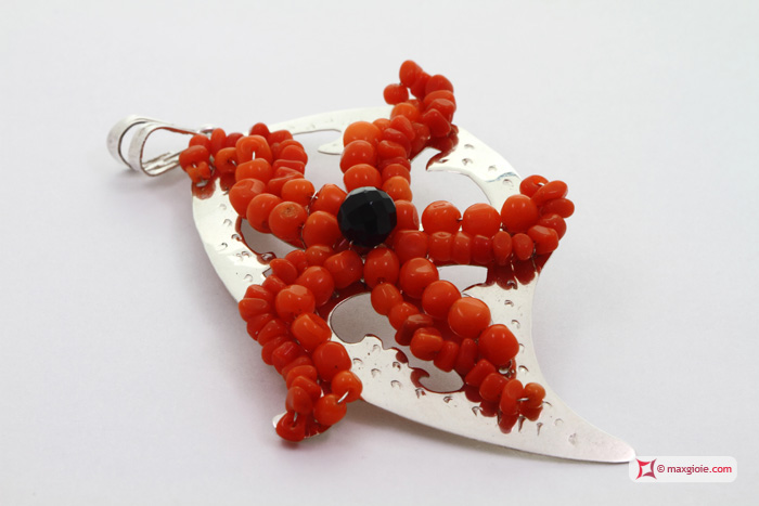 Leaf with Starfish Pendant [Coral, Onyx] in Silver