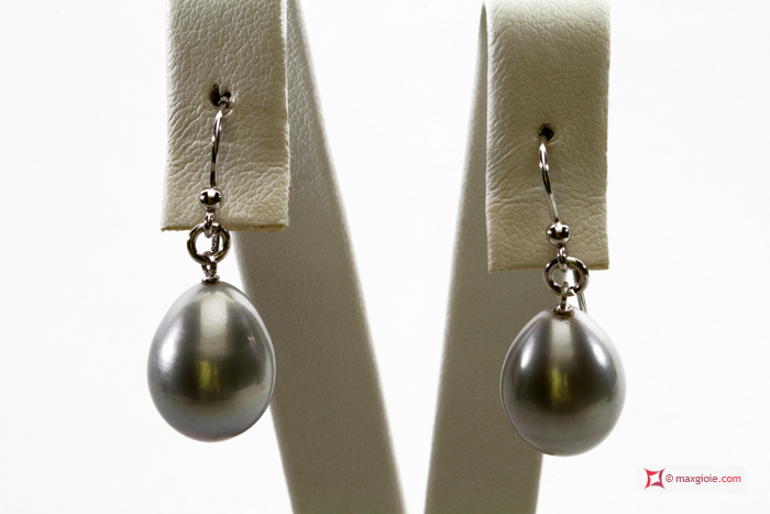 Biwa Pearl Earrings gray TOP 11-12mm in Gold 18K
