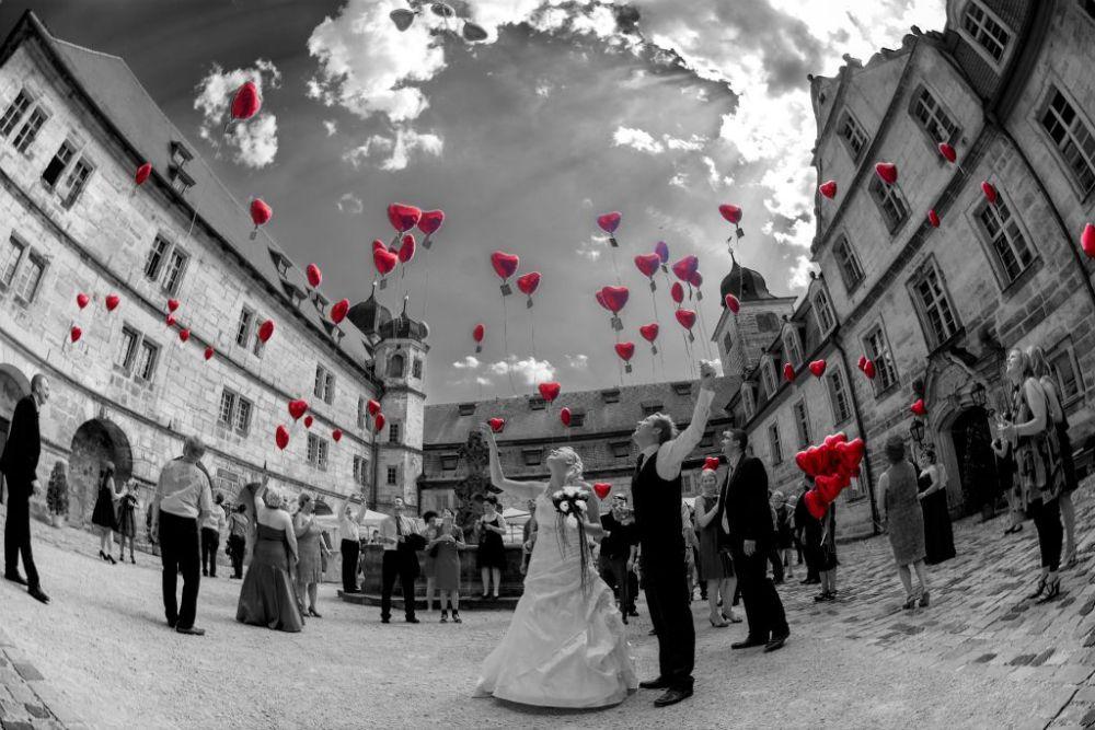 Luftballons im Schloss Thurnau