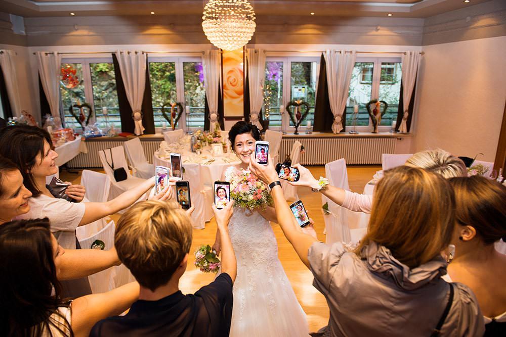 the bride Braut Hochzeit kreative Hochzeitsreportage Hochzeitsfotograf Bamberg N%C3%BCrnberg Hof Weiden Erfurt Stuttgart M%C3%BCnchen F%C3%BCrth - Leidenschaft Hochzeitsfotografie