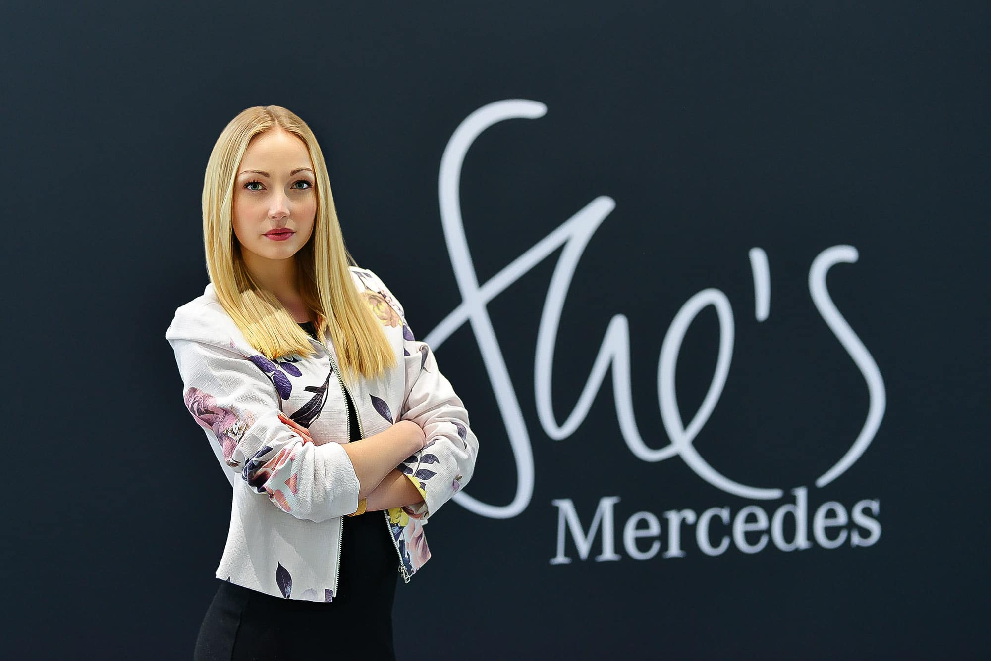 Fotograf Fashion Mercedes Benz Shes lifestyleshooting n%C3%BCrnberg niederlassung editorial fotostudio Portrait erlangen max hoerath design f%C3%BCrth - Lifestyle Fotoshooting mit Kira für She´s Mercedes