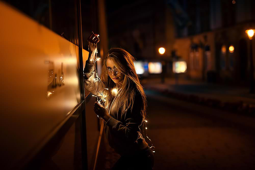 Fotoshooting Streetfotografie Fotograf fotostudio Fotokurs Workshop Profifotograf max hoerath kulmbach coburg sonneberg mainleus bayreuth - Lichterketten Shooting I mit Selina