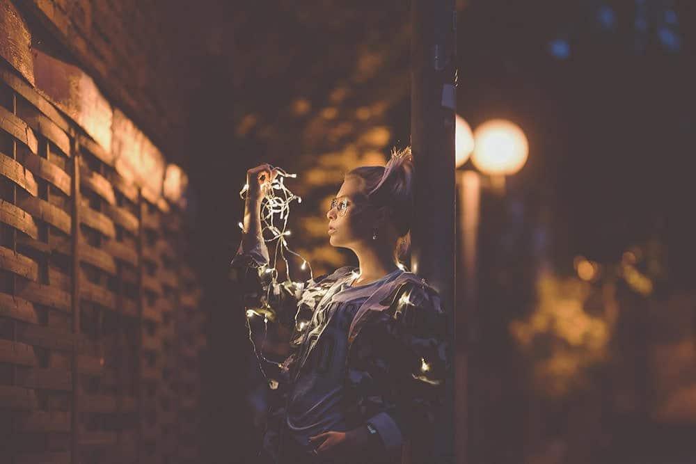 fotograf fotografie fotoshooting fotokurs fotokurse dslr lernen workshop max hoerath design kulmbach bayreuth bamberg m%C3%BCnchen berlin k%C3%B6ln - Lichterketten II - Fotoshooting mit Caro