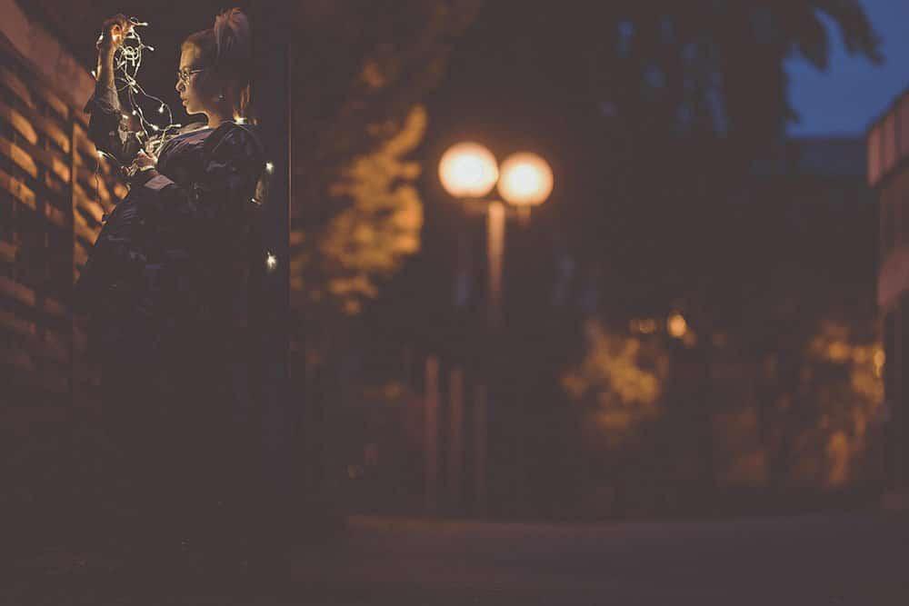 fotokurse fotokurs fotografie lernen dslr fotograf fotocoaching fotoshooting people max hoerath design bayern deutschland europa - Lichterketten II - Fotoshooting mit Caro