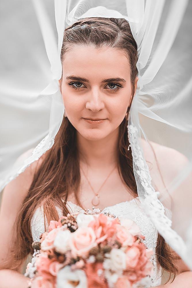 Hochzeitsfotograf Hochzeitsreportage Hochzeit Hotel Stempferhof Behringersm%C3%BChle G%C3%B6%C3%9Fweinstein fotograf brautkleid portrait hochzeitsfotos bride - Hochzeit - Sophia & Andi – Gößweinstein