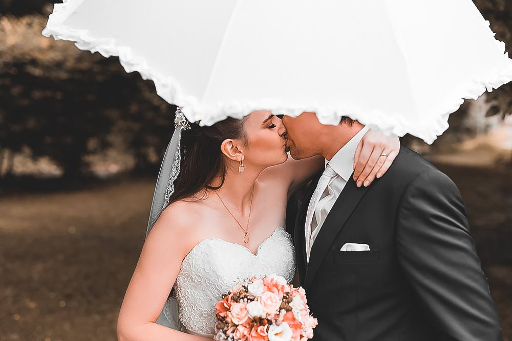Hochzeitsfotograf Hochzeitsreportage Hotel Stempferhof Behringersm%C3%BChle G%C3%B6%C3%9Fweinstein fotograf max hoerath brautkleid braut closeup portrait fotoshooting wedding - Hochzeit - Sophia & Andi – Gößweinstein