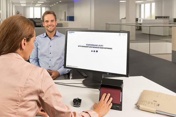 Keyvisuals Key Visual Keyvisual Werbefotograf Werbung Imagebilder Businessbilder Werbefotografie Max Hörath Deutschland Desko Sonneberg Sonnefeld Erfurt 600x400 - Imagebilder Business Key Visuals