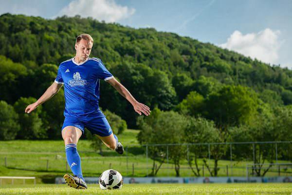 Kapuziner Fussball Initiative werbefotograf werbefotografie key visuals fotograf sportfotograf max hoerath design bayreuth 600x400 - Imagebilder Business Key Visuals
