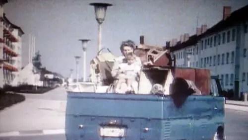Esse veículo preenchia exatamente a necessidade de transporte leve do pós-guerra. Mas as Leis mudaram na Alemanha, hoje em dia já não se pode mais viajar desta maneira por lá.