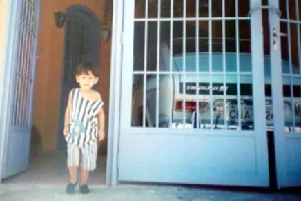 O Vivenzo Campana, ainda menino, em São Paulo/SP numa foto de 1997 em frente a um TL personalizado de Fábrica da década de 70