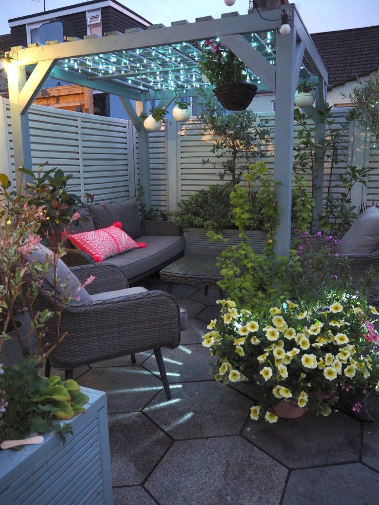 https www maxinebrady com 2019 08 8 pretty garden lighting ideas