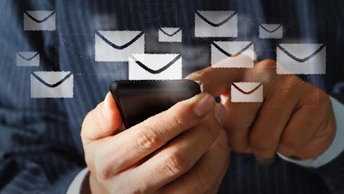 Mengirim dan Menerima Pesan