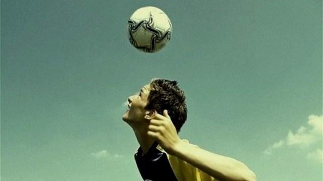 Teknik Menyundul Bola