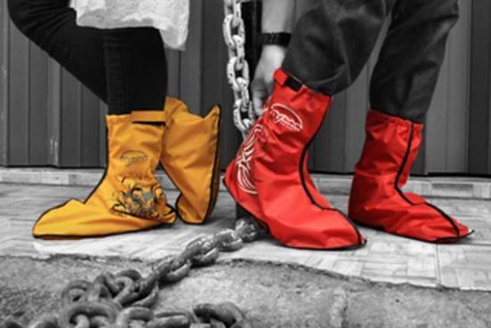 bisnis jas hujan sepatu
