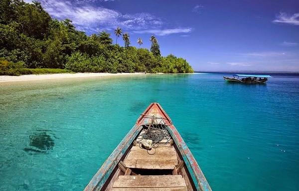 Wisata ke Pulau Panjang Jepara