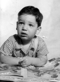Howard Schultz kecil