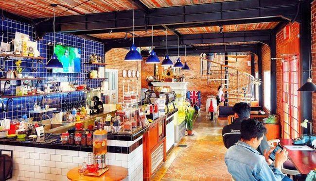 Cafe Brick Lt. 1