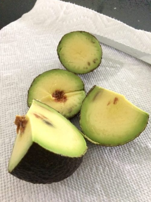 How To Cut An Avocado 1