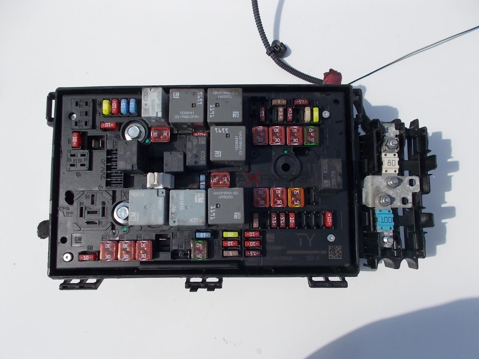 hight resolution of opel astra j fuse box 13368641 rh maxparts bg astra j fuse box location astra j