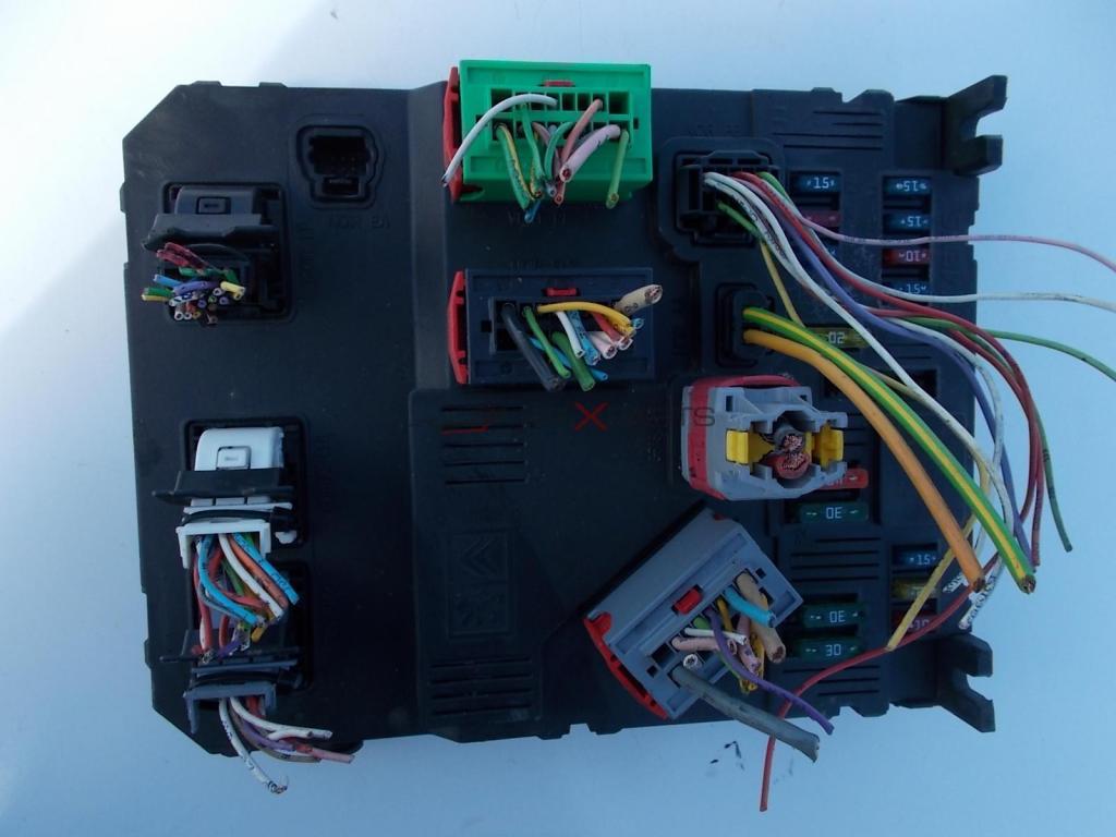 bsi citroen xsara picasso 2 0 hdi fuse box control module 9652474680 bsi e01 00 s118085320c [ 1024 x 768 Pixel ]