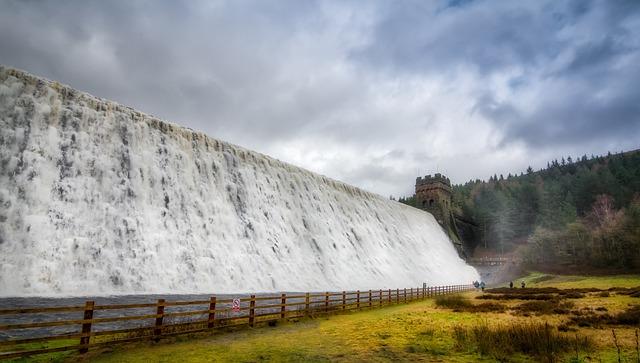 Free photo England Derbyshire Flood Derwent Dam Derwent