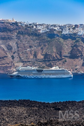 Cruise boat, view from the Caldera
