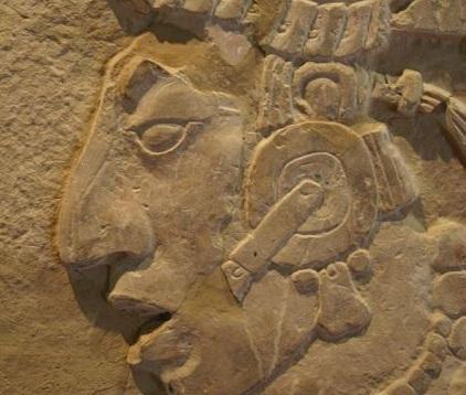 K'inich Kan Bahlam II, roi de Palenque. C'est à lui que l'on doit le groupe de la Croix