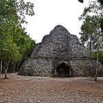 Pyramide de Cobá © Wikipedia/Dlogic